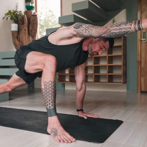 Ground Down Rise Strong - 22 Minute Vinyasa Flow | Breathe and Flow Yoga