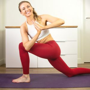 Detoxifying Yoga: A Yoga Class With Twists For Digestion