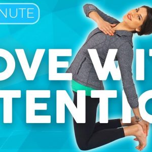 10 minute Uplifting Yoga Flow 💙 MOVE with Intention | Sarah Beth Yoga