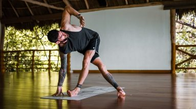 35 Minute Vinyasa Flow Yoga with Focus on Lateral Lines